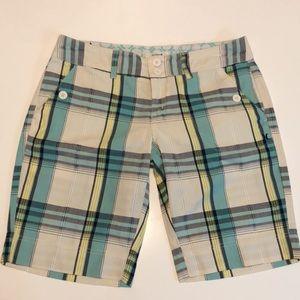 Beautiful Hurley Bermuda shorts size 9
